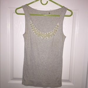 Ribbed grey tank top with pearl neckline